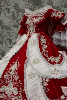 "Costume of Takaraduka ""The Rose of Versailles"""