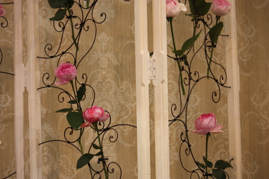 Flower artist Laurent Borniche, French style Rose